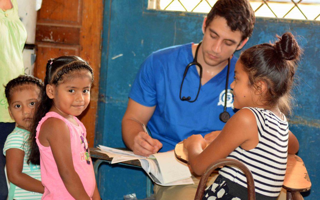 Brigada médica realiza jornada de salud en Bonanza