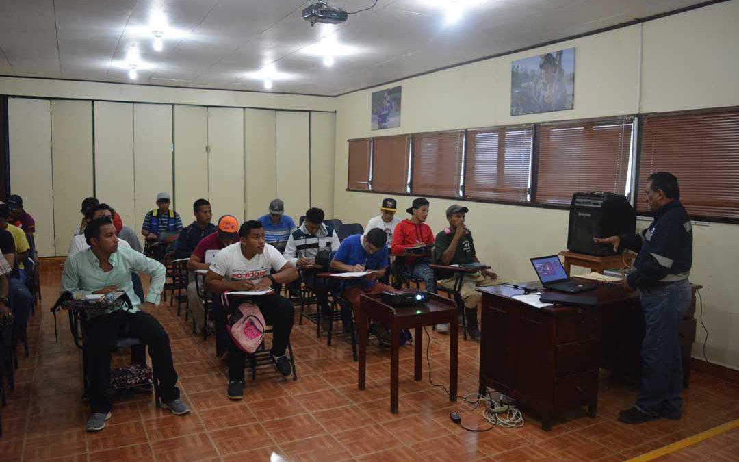 Inician cursos de la escuela minera en HEMCO