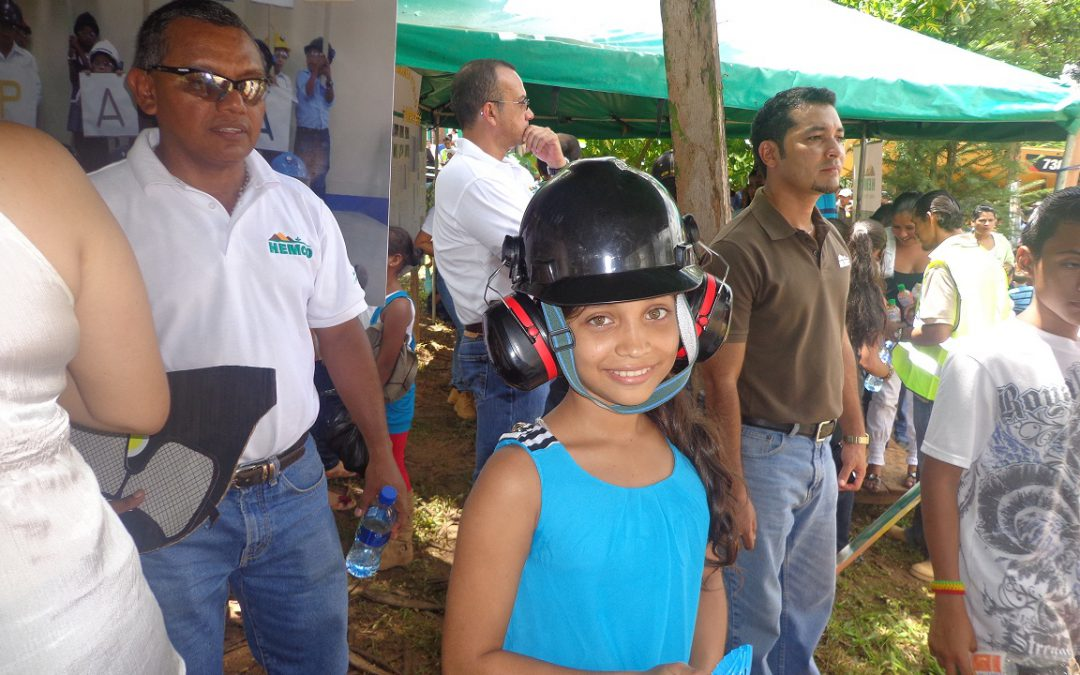 Feria educativa por el Día Nacional del Minero