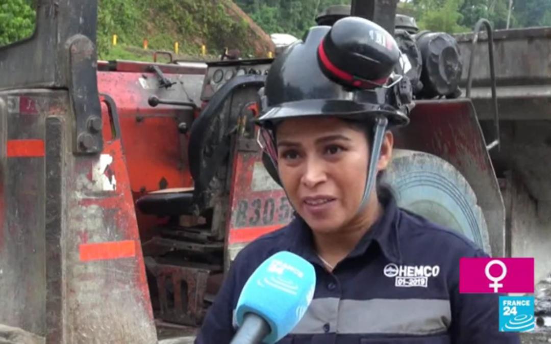 María Hernandez rompiendo estigmas debajo de la tierra