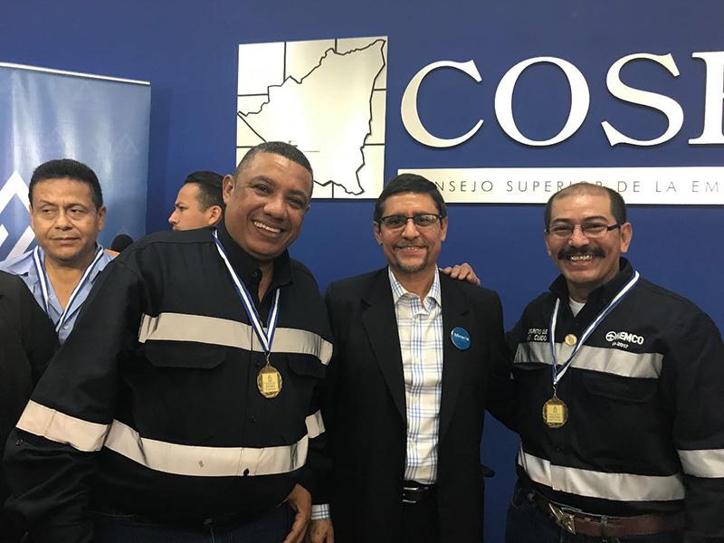 "Colaboradores de HEMCO reciben galardón ""Orgullo minero"""